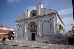 Il Tempio Malatestiano, usualmente indicato dai cittadini come il Duomo e dal 1809 riconsacrato come basilica cattedrale di Santa Colomba[1], è la chiesa maggiore di Rimini.