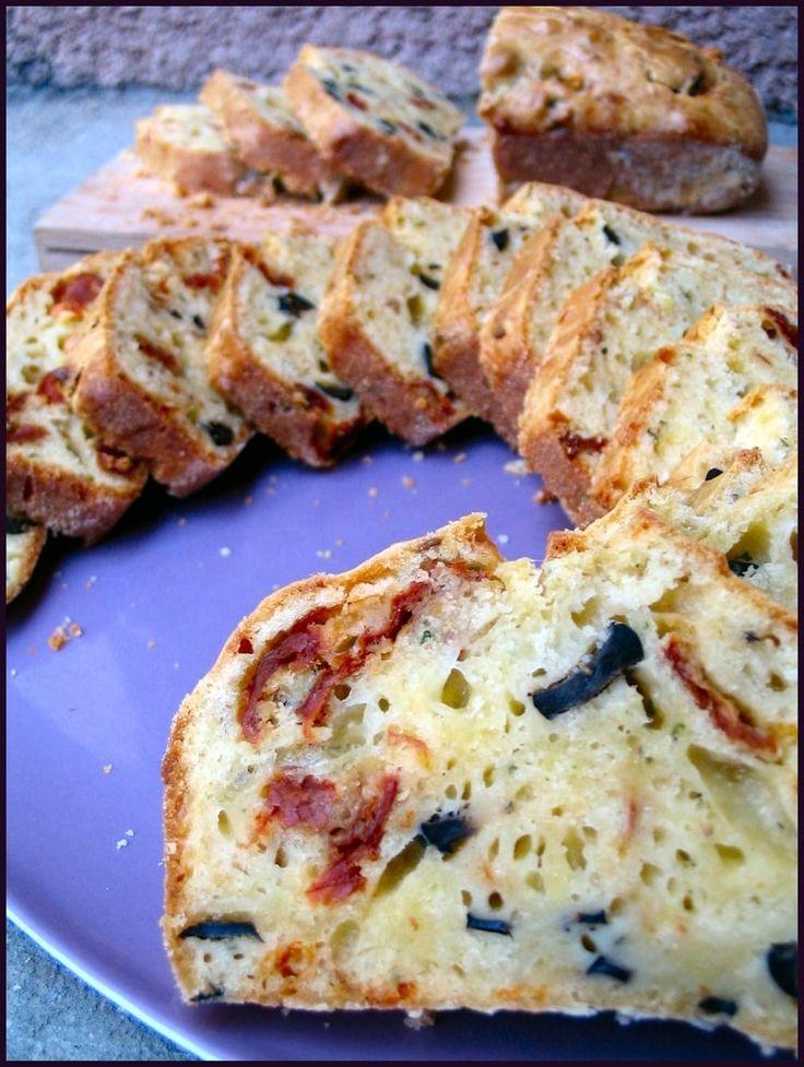 Cake aux olives, tomates séchées et parmesan                              …