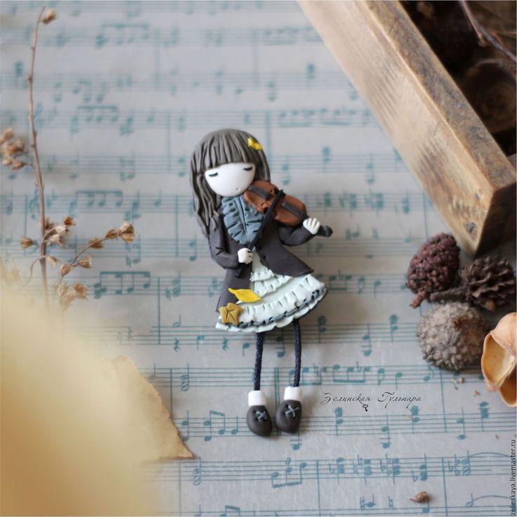 Купить Амели девочка со скрипкой. Брошь - коричневый, оттенки коричневого, брошь девочка