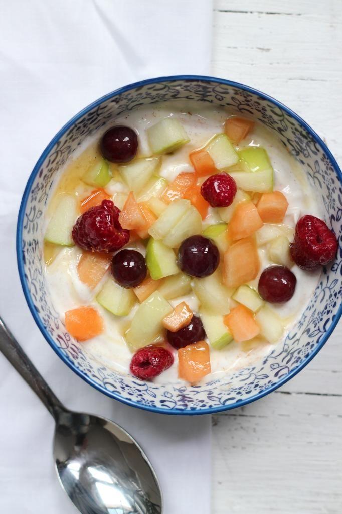 Ontbijttip: kwark met kaneel, fruit en honing - Lekker en Simpel