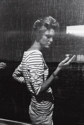 photo - Arthur Elgort