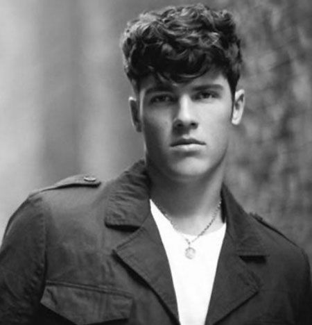 Mens hairstyles for thick curly hair