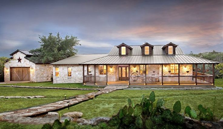Exterior austin custom home builder dearth design for Custom ranch style homes