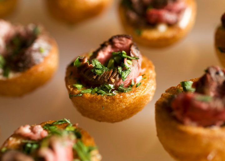 Mini Yorkshire Pudding with Beef and Horseradish