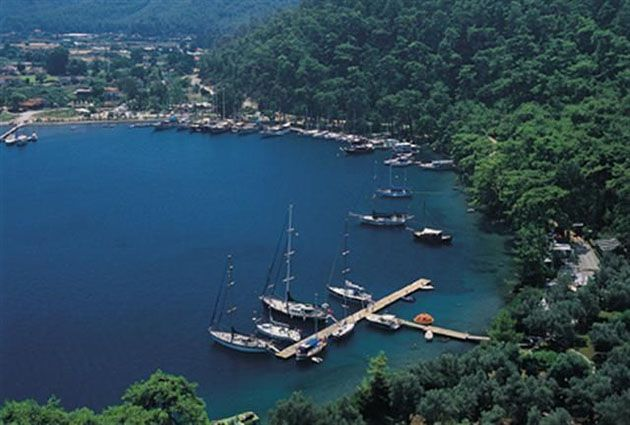 Karacasöğüt, private yacht rental, guests2, www.barbarosyachting.com