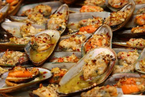 Baked Tahong - Baked Mussels. Filipino Recipe