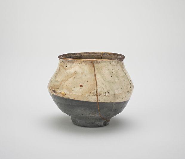 Joseon period, second half of 16th century Korea, Jeollanam-do province Stoneware with dipped white slip under transparent glaze; gold lacquer repairs 10.8 x 13.4 cm