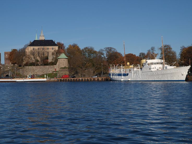 The Royal Yacht, Norge, beside Akershus Festning.