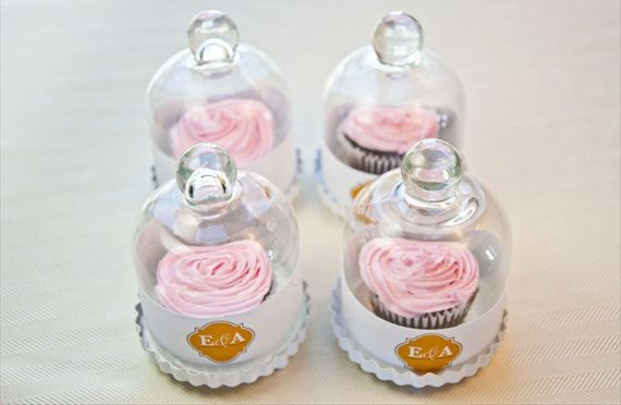 Mini cupcakes to go in individually packed glass containers. #favors