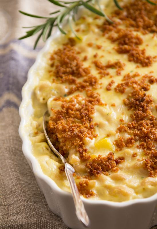 Macaroni and Cheese with Butternut Squash // Soooo many fall variations on Mac and Cheese these days