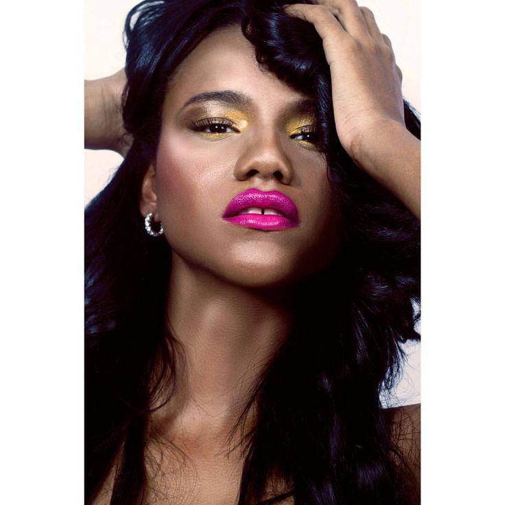 #lady #nigga #blackmama #blackmodel #blackbeauty #beauty #beautymodel #sexy #sexymodel #model @lesliedlr #Makeup @jhornadys #photographymakeup #photography #styling #instaartist #instaphoto