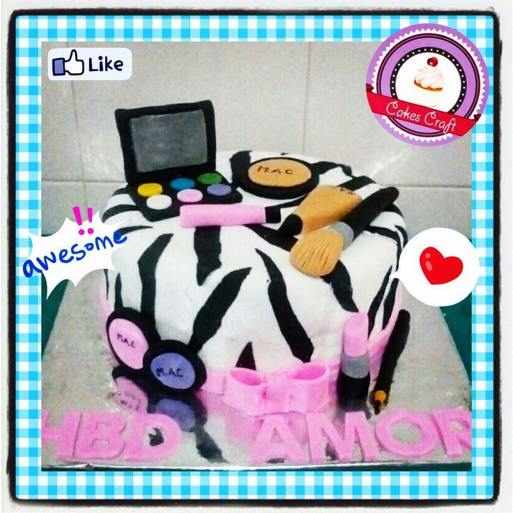 Make up Fashionista!/ CID - 575 #tortatematica #barranquilla #cakestagram #uniautonoma #uniatlantico #uninorte #unilibre #unimetro  #hbd #cumpleaños #CakescraftKeados #cakeboss #cupcakewar #cakescraftbq #airsoft #halamadrid #jamesrodriguez10 #collagecostacaribe #enchufetv #aotronivel #canalcaracol #barranquillaestuciudad #avianca #thursday #MakeUp #makeupnbm #fashionista #hollyday #saborbarranquilla #fashion