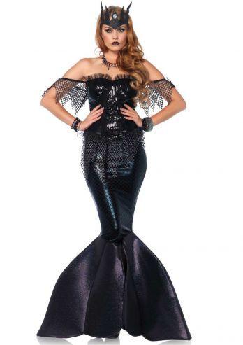 Een tweedelig luxe zwart zeemeermin kostuum de 'Dark Water Siren', bestaande uit een bustierjurk met pailletten front, net accenten en rits aan de achterzijde, lamé rok met schubben effect en foam vin staart. De jurk wordt geleverd met de kroon. Deze gave duistere halloween zeemeermin is een productie van Leg Avenue.