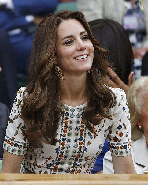 Royal Family Around the World: share beautiful pictures of the Men's Final of the Wimbledon Tennis Tourney. .