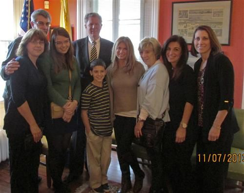 2013 JDRF Advocacy Promise To Remember Me meeting with Rep. Frank Pallone (NJ-6) to discuss the Special Diabetes Program (SDP) and type 1 diabetes research. To read more about the meeting and the Promise campaign, visit: http://promise.jdrf.org/
