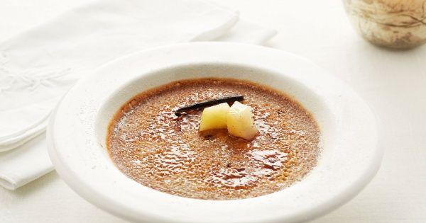 Crème brûlée met peer en chocolade