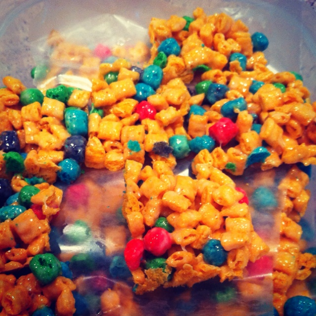 Crunch berries treats..made like rice Krispy treats but with captain crunch <3 YESSSS!