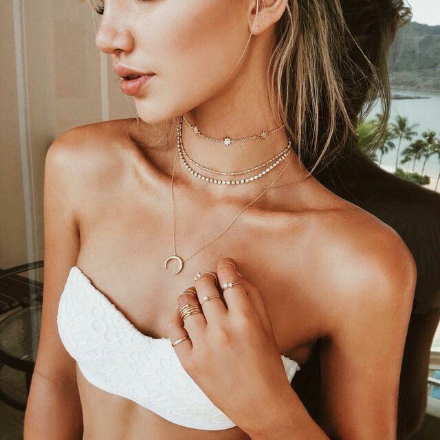 Les tendances de bijoux de créateurs de la saison, zoom en images sur mes bonsplans bijoux fantaisie à prix mini! Des colliers fins et plaqué or, des sautoirs fantaisie qui ajoutent une touche orig...