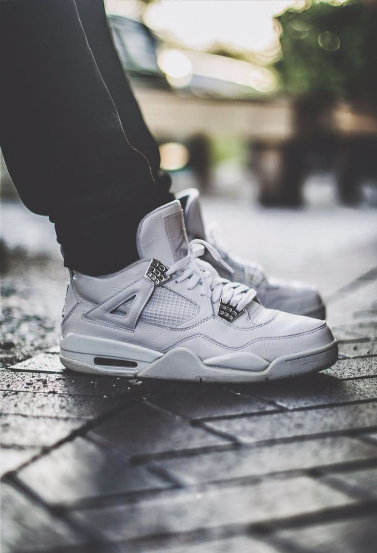 Air Jordan 4 (iv) sneakers in white
