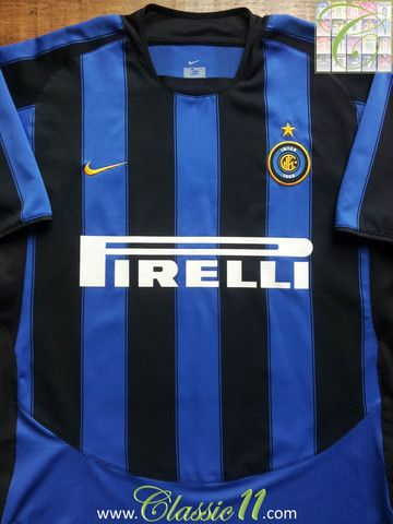 Relive Inter Milan's 2003/2004 season with this vintage Nike home football shirt.