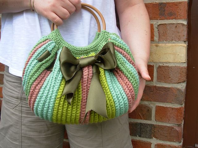 Crochet green fat bag | Flickr: Intercambio de fotos