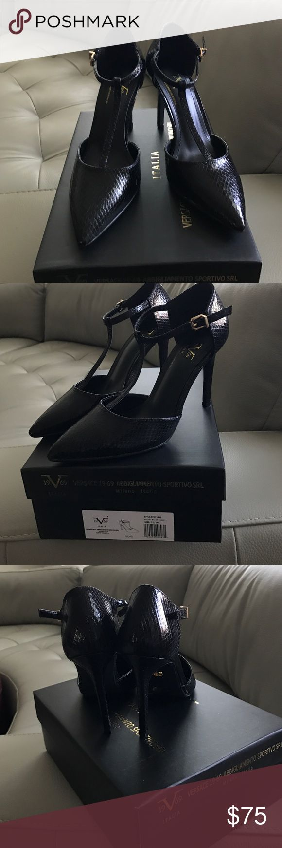 Versace brand new shoes 👠 Versace brand new shoes with tags & box🌺🌸🌼🌷🌹🍁🌎🎃🌼 Versace Shoes Heels