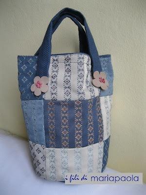 borsa in cotone realizzata con tecnica patchwork