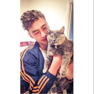 olly alexander and a kitty!