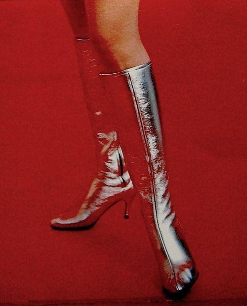 Space age boots, 1960s. Vintage Fashion Lingerie & Design z