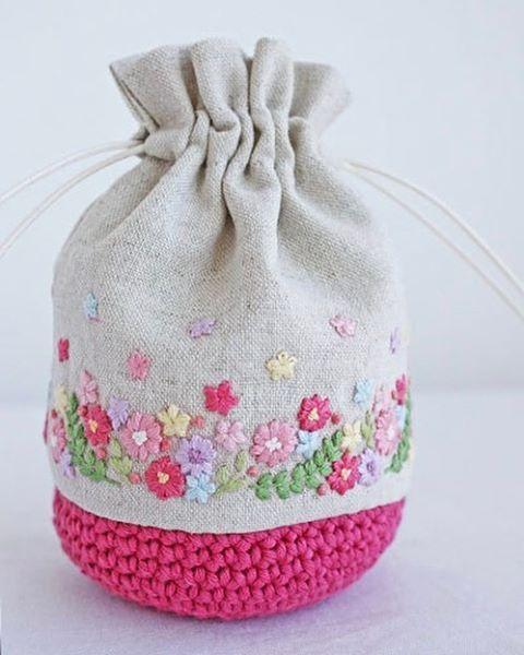 いいね!750件、コメント13件 ― @yula_handmade_2008のInstagramアカウント: 「* . 下のニットの部分に配色を合わせたので、可愛らしい巾着に仕上がりました♪ . .…」