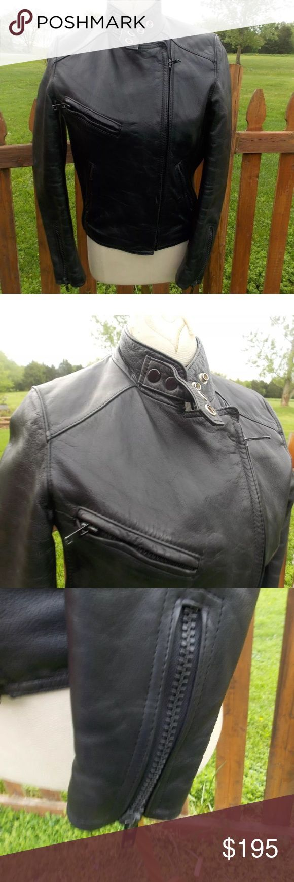 "Hein Gericke AMF Harley Davidson Leather Jacket XS Size 30 (XS). Measures: shoulder to shoulder: 14.5"". Pit to pit: 18"". Bottom of the collar in the back to the bottom of the jacket: 22"". Shoulder to cuff: 22.5"". Pit to cuff: 16.5"". Super nice riding Jacket. If you are familiar with Hein Gericke leathers, you know the quality of this jacket. Be sure to view the other items in our closet. We offer  women's, Mens and kids items in a variety of sizes. Bundle and save!! Thank you for viewing our…"