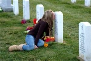is memorial day a paid holiday by law
