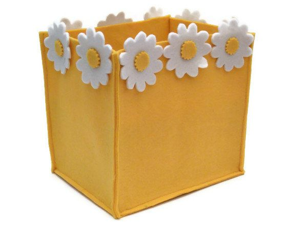 Felt Basket with White DaisiesHome Decoration Christmas by lianabi, $29.50