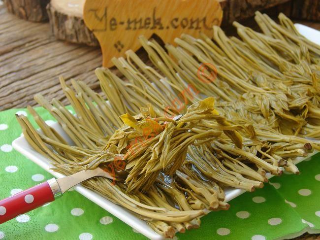 Çitlembik Salatası Resimli Tarifi - Yemek Tarifleri