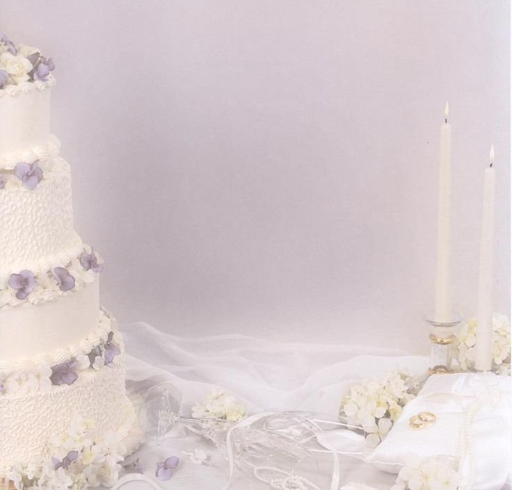 Lukka sigurdardottir wedding cake dress