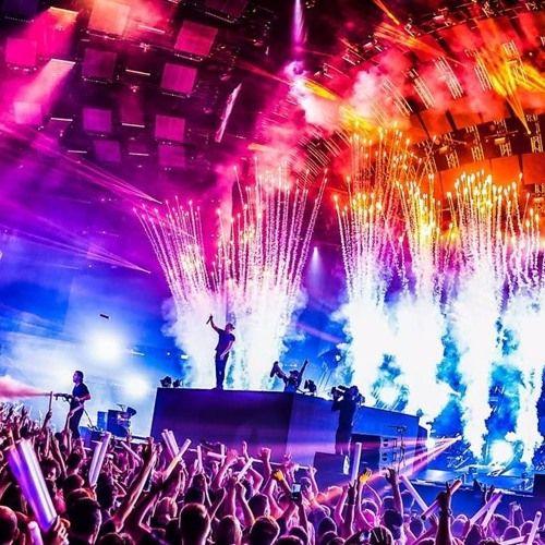 Dimitri Vegas & Like Mike & Blasterjaxx - U Ready par Tomorrowland2017 sur SoundCloud