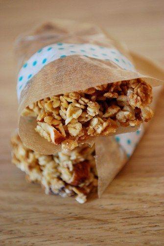 Une recette de barres de céréales à emporter pour un coup de mou ? C'est sur aufeminin, avec plein d'autres idées