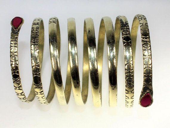 Tribal Fusion Spiralarmreif, Bauchtanz-Armreif mit rosa Schmuckstein, Schlangenarmreif, Spiralarmreif, verstellbar