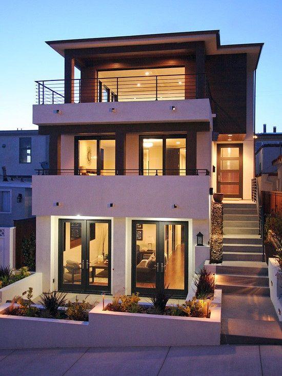 Fachada de casa moderna de tres pisos hogar pinterest for Disenos de casas pequenas para construir