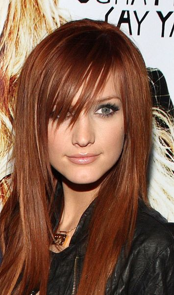 Ashlee Simpson - I think this would be the exact red that I'd aim for if I dyed my hair red again. Hopefully, it would actually turn this color, not a dark burgundy :/