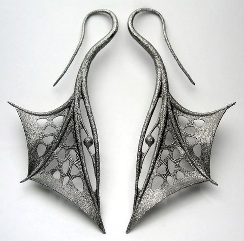 My only wish is that the metal looked more high quality... But it says they're stainless. Love the look though =^.^=