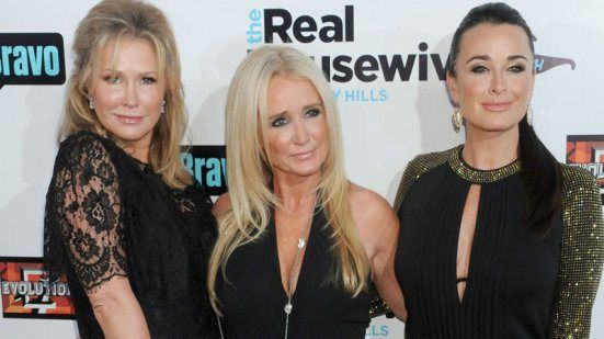 Kathy Hilton Replacing Sisters Kim And Kyle On RHOBH?
