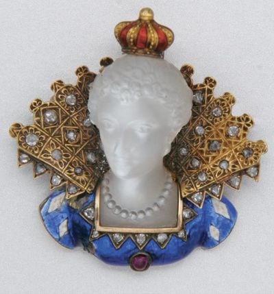 GOLD, MOONSTONE, ENAMEL AND DIAMOND BROOCH, LATE 19TH CENTURY.