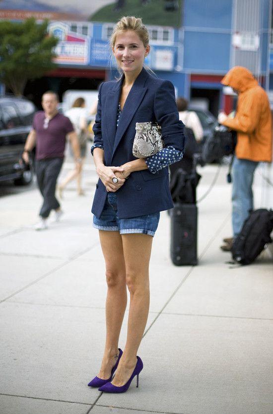.: Navy Blazers, Street Style, Blazers And Shorts, Navy Style, Jeans Shorts, Denim Shorts, Purple Pumps, Blue Polka Dots