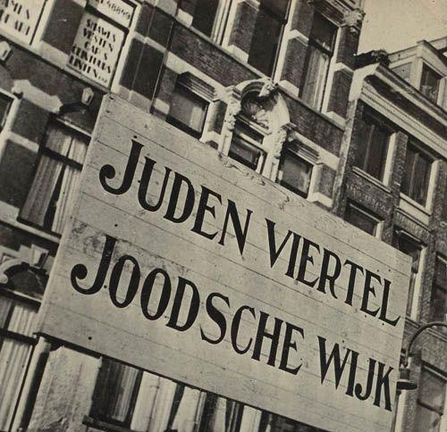 tijdens de 2e wereldoorlog waren er joodse wijken waar alle joden heen moesten en niet daar weg mochten. Behalve als ze zogenaamd moesten gaan werken in kampen wat achteraf concentratiekampen bleken te zijn.