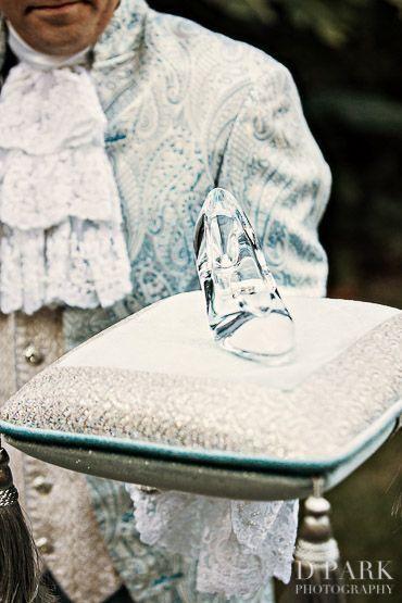 ロマンティック♡シンデレラ気分になれる♡結婚式の必需品リングピローのおしゃれ一覧♡ウェディング・ブライダルの参考に