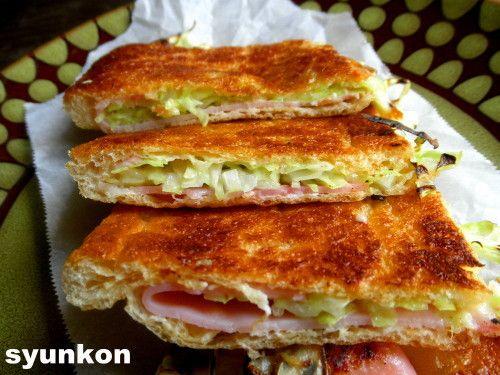 【簡単!!おつまみ】キャベツとハムとチーズのパリパリ油揚げ焼き