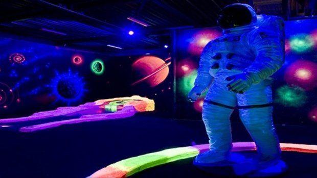 Activiteit naar keuze bij Superfun in Amersfoort. Keuze uit lasergame, spacegolf, bowlen of superjump XL en daarna lekker grillen aan tafel voor €22,50 per persoon.