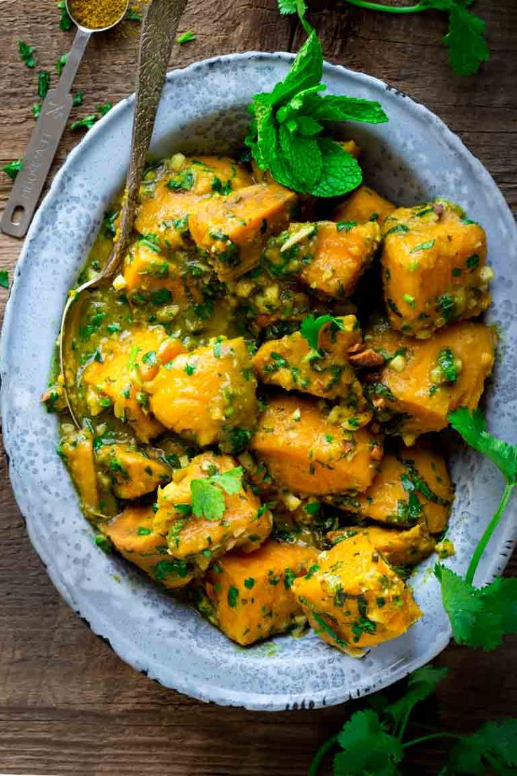 sweet potatoes with coconut, curry and mint