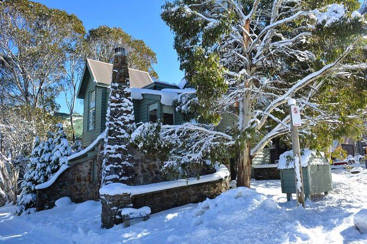 'Shaley House' Chalet available for holiday rental in Dinner Plain. www.alpine-getaways.com